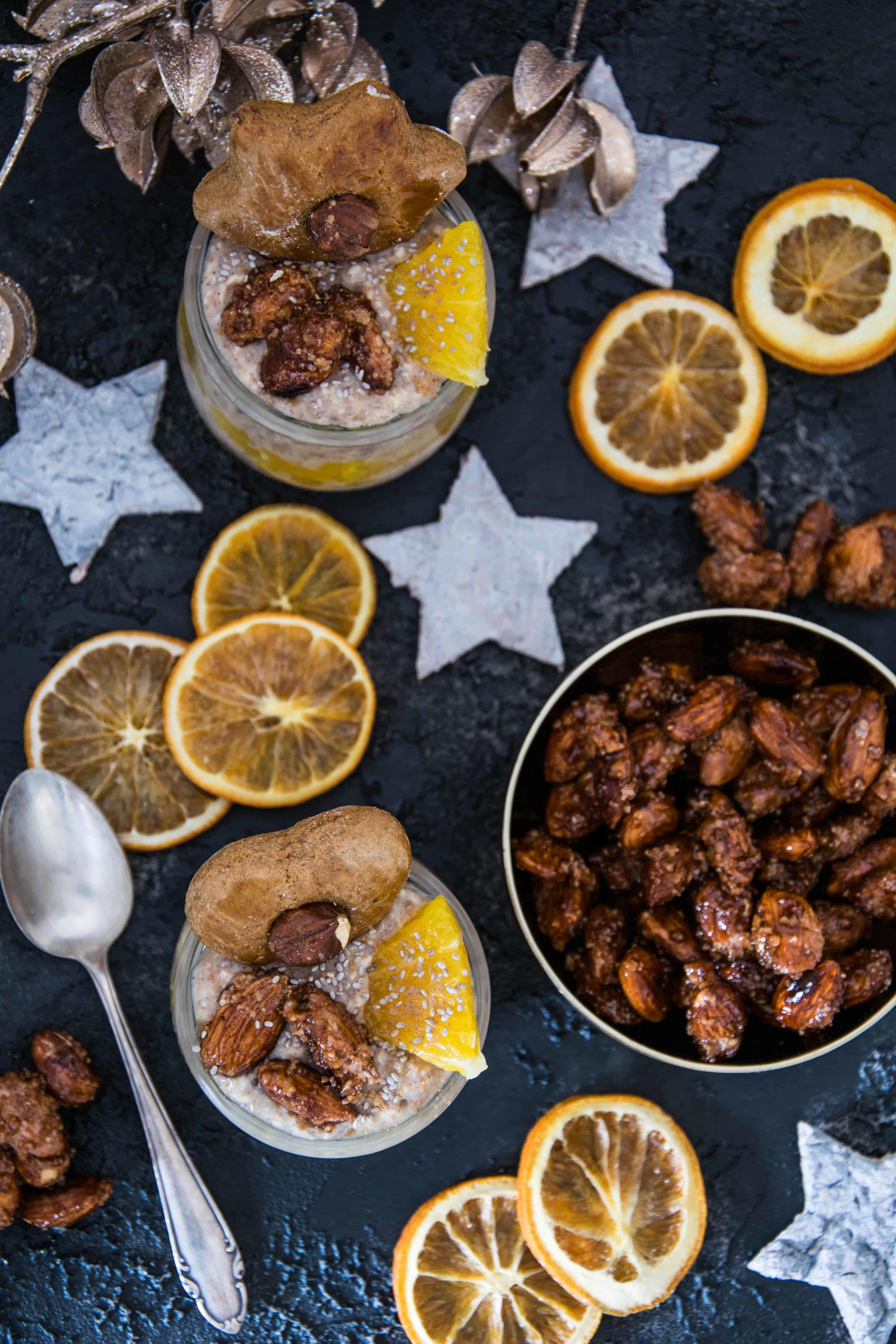 Lebkuchen-Overnight Oats mit gebrannten Mandeln