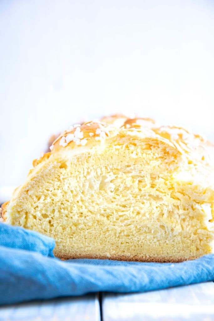 Flaumig-zarte geflochtene Butter-Brioche